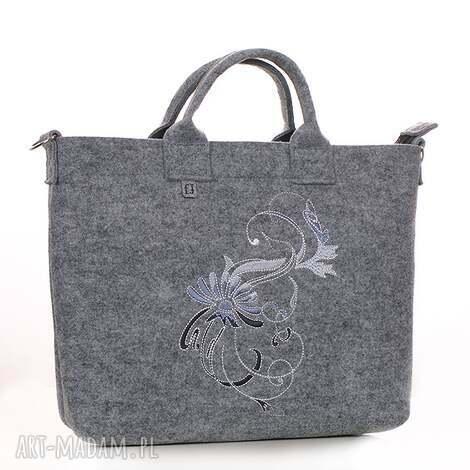 na laptopa torba z haftowanym ornamentem, torba, torebka, laptop, filc, haftowana
