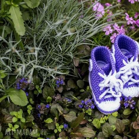trampki, buciki dla dziecka, buciki, dziecko, prezent, handmade, szydełko, święta