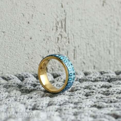 obrączka w bękicie, obrączki, pierścionki złoty ombre, geometryczne