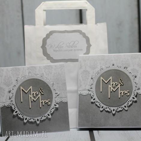 kartka w odcieniach szarości pudełeczku mr mrs, ślub, prezent, pudełko