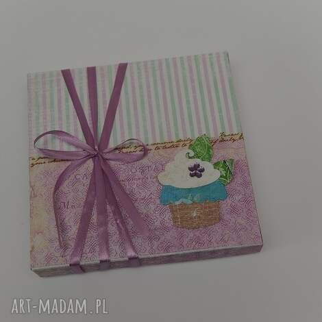 kartka w pudeŁku urodziny - kartka