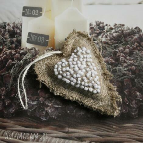 ozdoby świąteczne serduszko lniane haftowane, len, haft, rękodzieło, lwenda