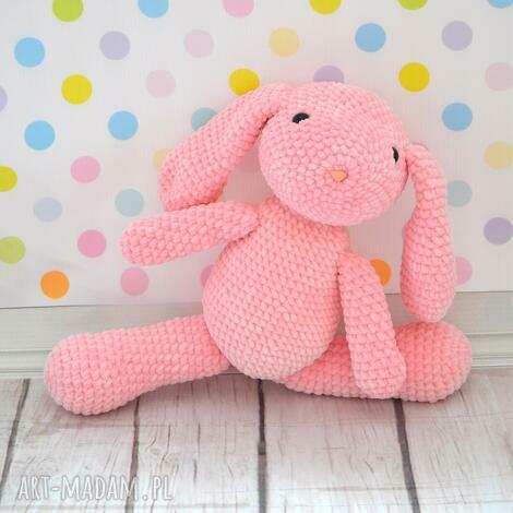 szydełkowy różowy króliczek z dedykacją, królik, króliczek, różowy, roczek, urodziny