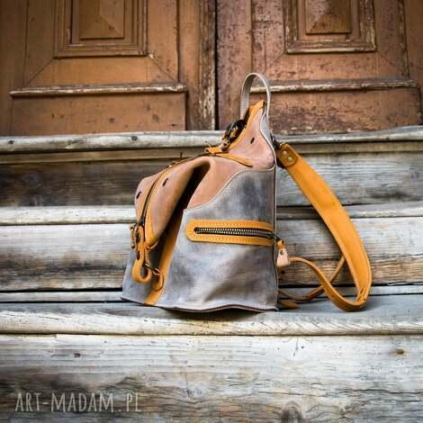 pojemny skórzany plecak z wygodną kieszenią na plecach w kolorze brąz i szary