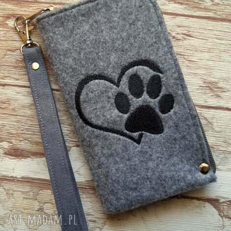 filcowe etui na telefon - łapka, smartfon, pokrowiec, pies, kot, motyw zwierzęcy