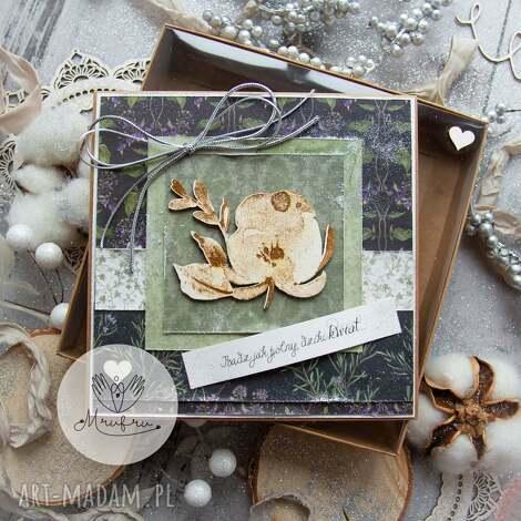 mrufru: magiczna kobieca kartka. bądź jak polny, dziki kwiat. kartka w pudełeczku