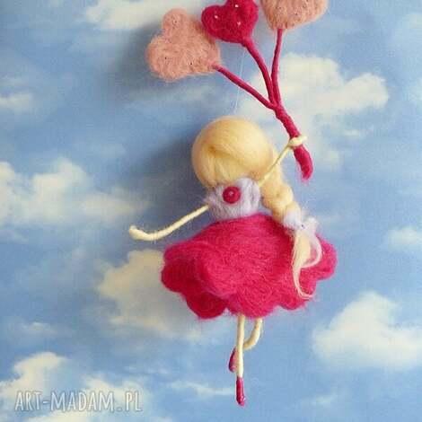 wróżka bawiąca się na wietrze-mobil, waldorf, filc, balony lalka