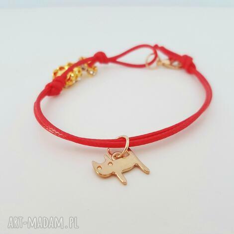 czerwona bransoletka z kotkiem, czerwona, bransoletka, cat, kot, kotek biżuteria