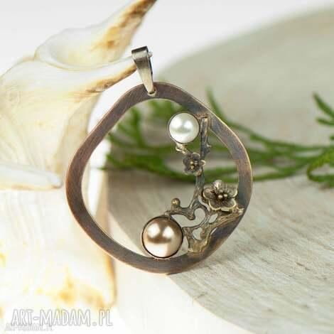 miedziany wisiorek z perłami c585, miedziany, romantyczny