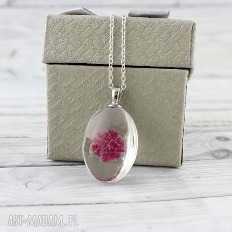 szklany wisiorek z suszonym kwiatem - wisiorek, kwiat, suszony-kwiat, naturalny, prezent