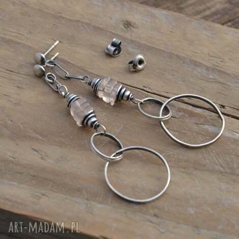 kwarc różowy i koła kolczyki srebrne na sztyftach, srebro, kwarc, wiszące, koła