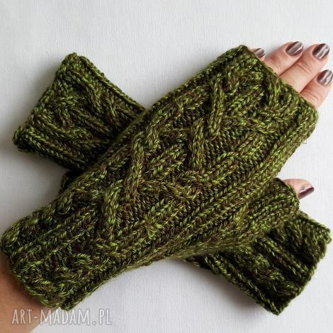 melanŻ zielony - modne, awangardowe, kobiece