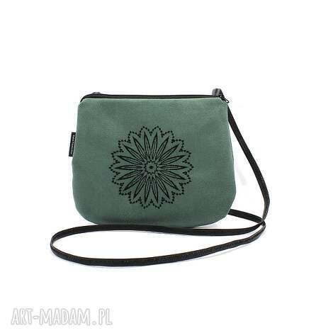 wyszywana minitorebka buti, mini, torebka, haft, zamsz, wyszywana, prezent torebki