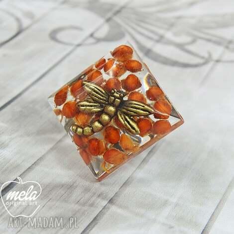 0713/mela pierścionek z żywicy ważką star złoto, pierścionek, ważka, żywica