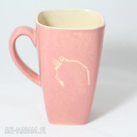 kubek różowy z głową kota, kubek, na stół, kot, prezent, ceramika artystyczna
