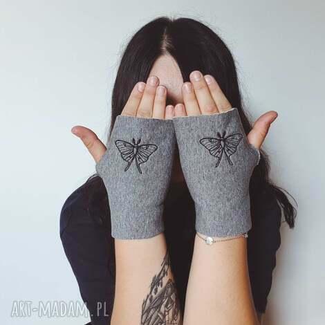 mitenki ćma księżycowa, księżyc haft rękawiczki, szare
