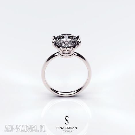 pierścionek z białego złota próby 585 białym topazem, topaz, złoto, zaręczyny