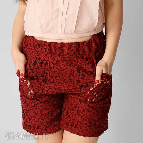 spodnie bordowe szorty z koronki, koronka, art, bordo, koronkowe, wiosna