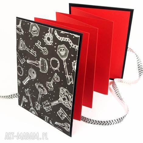 święta, scrapbooking albumy album czerwono-czarny, album, scrapbooking, zdjęcia