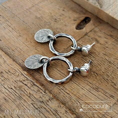 Cocopunk: kolczyki wiszące srebro 925 - codzienne, nowoczesne, krótkie, z zawieszkami