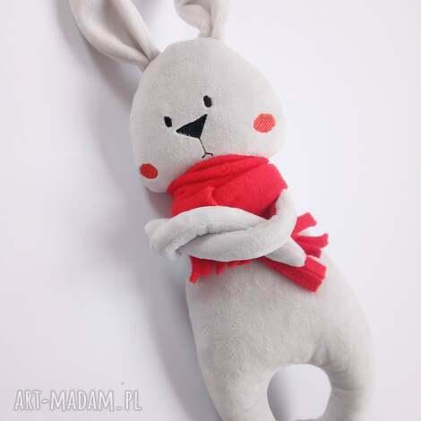 maskotki pluszowy króliczek w czerwonym szaliku gburek foch, królik przytulanka