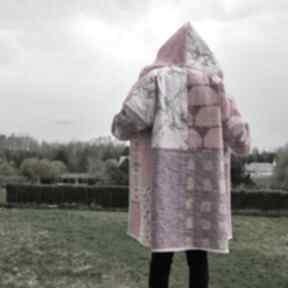 Płaszcz patchworkowy w stylu boho, długi z kapturem, kimonowy