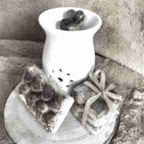 Wosk zapachowy do kominka - orzechowa trufla sojowy serduszka
