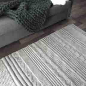Zamówienie dla pani elżbiety wool and dog dywan, sznurek