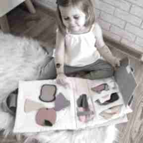 Timosimo - ksiązeczka sensoryczna quiet book dla dziewczynki