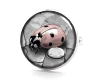 Biedronka pierścionek regulowany szkło prezent natura ręcznie