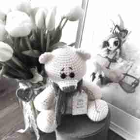 Miś me to you - mini brzoskwiniowy zabawki miedzy motkami