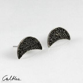 Księżyce - kolczyki sztyfty 201204 -10 caltha mosiężne kolczyki,