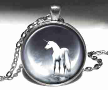 Jednorożec duży medalion łańcuszkiem fantasy księżyc potter