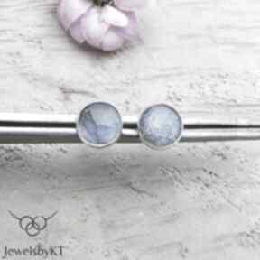 Niebieskie kropki 8mm - kolczyki jewelsbykt srebrne kolczyki