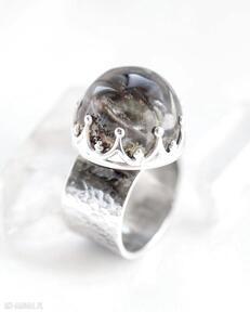 Pierścień z kwarcem ogrodowym dziki krolik kwarc ogrodowy