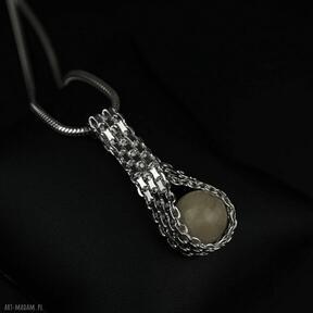 Elegancki wisiorek z bursztynem na grubym łańcuszku srebro