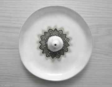 Komplet talerzyk i stożek dekoracje ceramika ana podstawka
