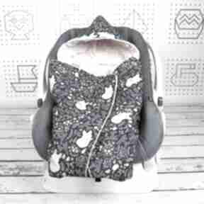 Kocyk do nosidła samochodowego śpiące lisy granat dla dziecka