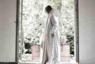 Płaszcz przeciwdeszczowy biały płaszcze monika jaworska długi,