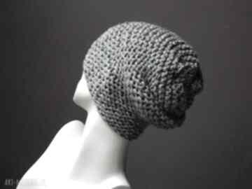 Szary tweed kolorowy na prawo gruba czapka czapki aga made by