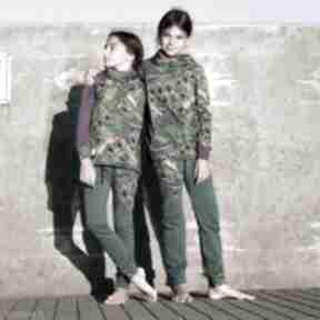 Dres dla dziewczynki 122 -134 cm - pawie pióra mimi monster