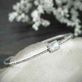Pracownia Bellart! srebrna-bransoletka kamień-księżycowy