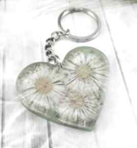 1133 mela - brelok do kluczy z żywicy serce breloki art brelok