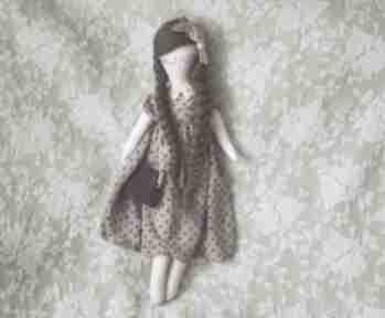 Bajka w sweterku z torebką i motylkiem - ala lalki bajkoszycie