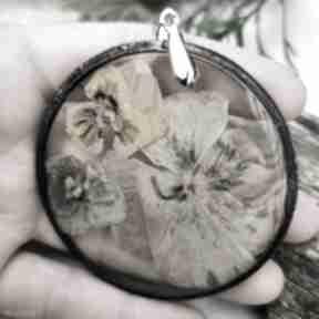 Naszyjnik z żywicy bratkami z100 naszyjniki herbarium jewelry