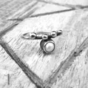 Wild pearl - drop i srebrny pierścionek z perłą słodkowodną