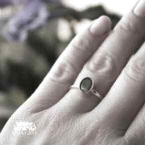 Labradoryt klasycznie anna grys labradoryt, srebrny, pierścionek