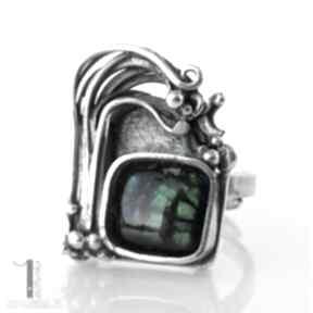Wichrowe wzgórze srebrny pierścionek z ammolitem ognistym