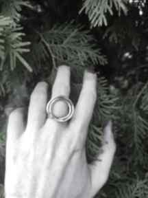 Srebrny pierścionek z podwójnym kołem angry cat surowy