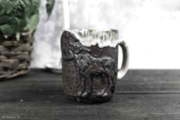 kubki? ceramika-na-prezent kubek-do-kawy z-wilkiem z-górami
